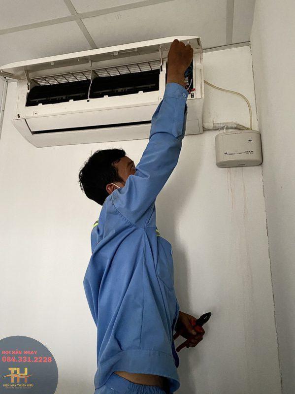 sửa máy lạnh tại điện máy thuận hiếu