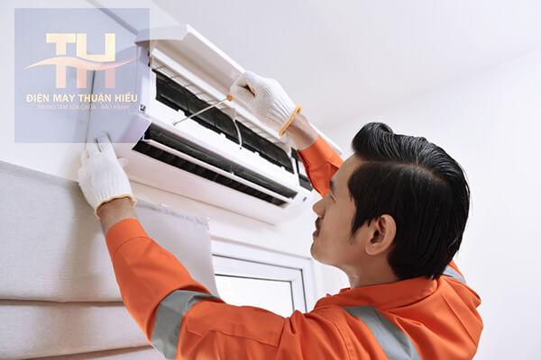 Sửa Máy Lạnh Tại Cmt8 Quan 10
