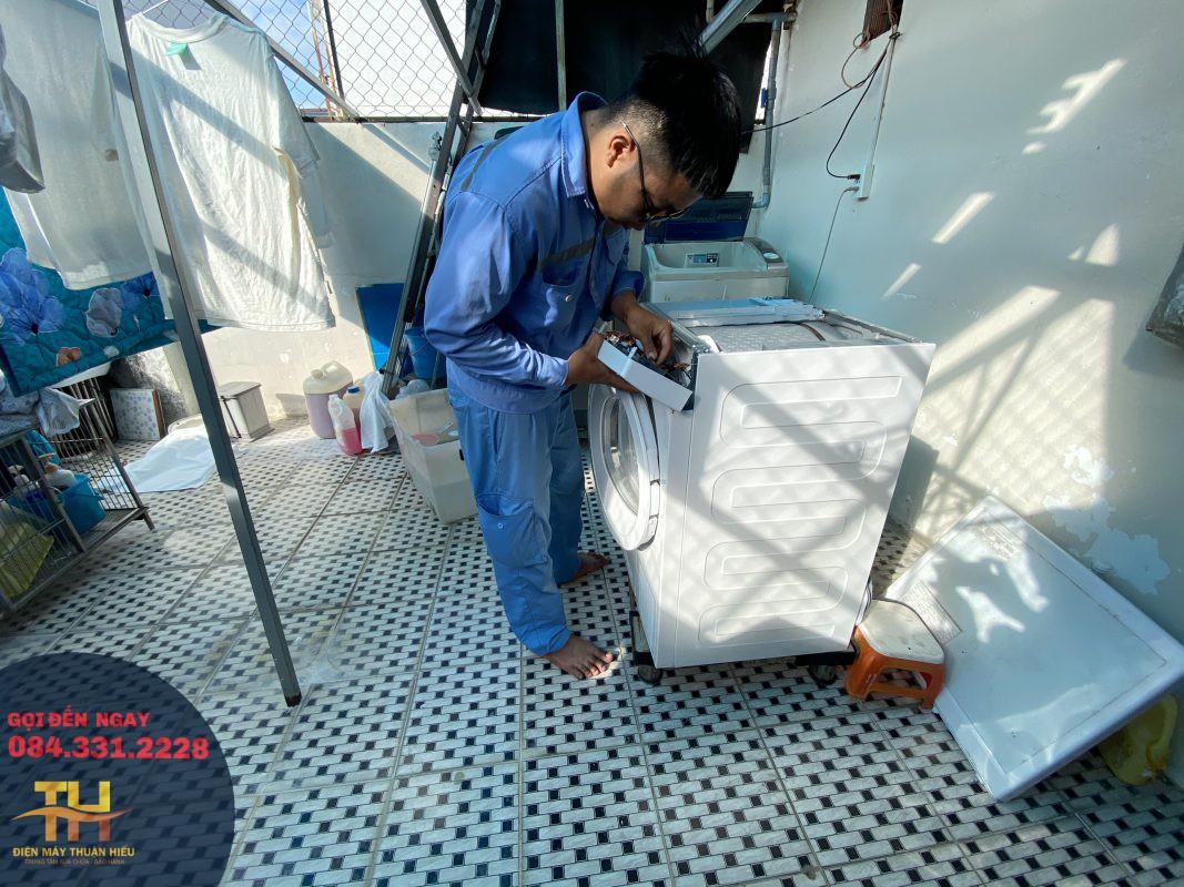 Sửa Máy Giặt Tại Nhà Hóc Môn